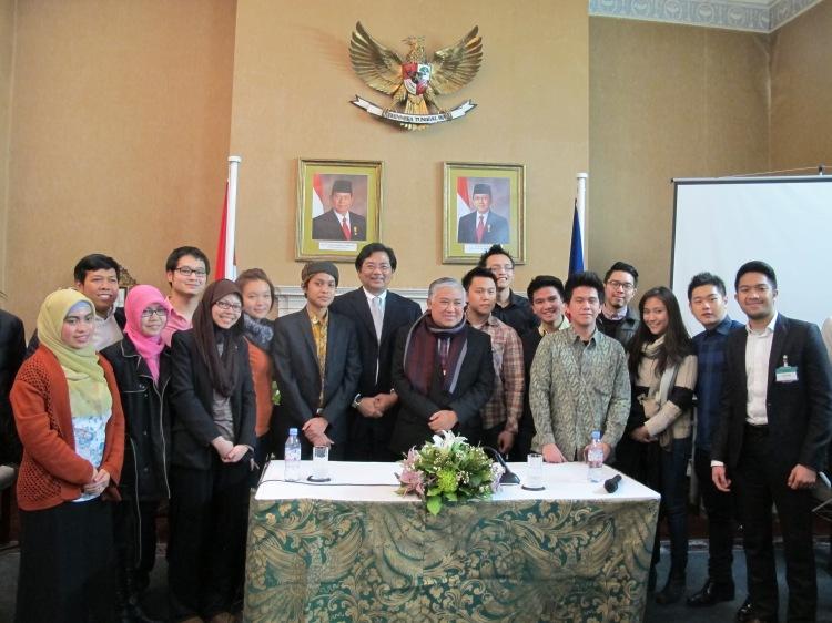 Foto bersama Dubes RI dan Din Syamsuddin.